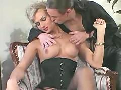 Passionate tranny fondles her lover