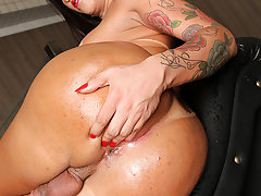 Tranny Bruno Prado loves showing off for the camera.Watch her play with her anal beads in her asshole!