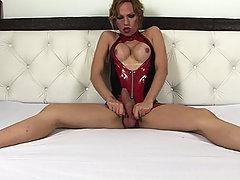 Tranny Alessandra Leite in hot latex
