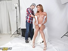 A little posing here, a little posing there and it's on. These two are definitely feeling each other. From photoshoot to full on TS hardcore fucking. Let's welcome back the sexy Jonelle Brooks in
